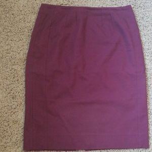 White House Black Market perfect form skirt size 6